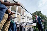 司法省職員も機密権剥奪へ トランプ大統領「早急に」