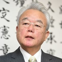 富川盛武副知事