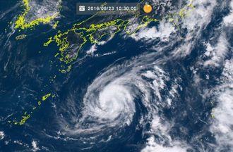 台風10号(23日10時30分、ひまわり8号リアルタイムWebから)
