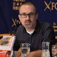 米軍基地汚染の実態報告 本紙通信員ミッチェル氏、東京で講演