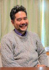 信仰とセクシュアリティー。「どちらも大事にしたい」と語った沖縄出身の牧師、平良愛香さん=昨年12月26日、横浜市・日本基督教団川和教会