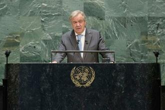 国連創設75年記念の高官級会合で演説するグテレス事務総長=21日、米ニューヨークの国連本部(国連提供、共同)