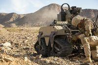 最新兵器の実験部隊「ダークホース」、どうして沖縄に配備?