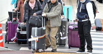 沖縄を訪れた観光客