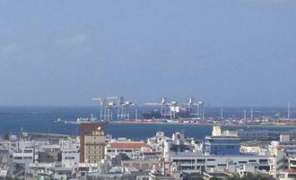3日午後2時すぎの那覇新港。巡視船が入港しました。