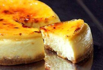 ベストお取り寄せ大賞2015の洋菓子・スイーツ部門で金賞に輝いたチーズケーキ「マンハッタンの恋」(トランク提供)