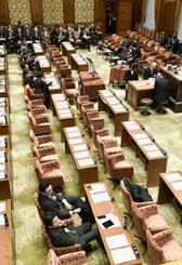 開会予定時刻を過ぎた衆院予算委=18日午前