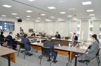気象庁で開かれた防災気象情報の伝え方に関する有識者会議=19日午前