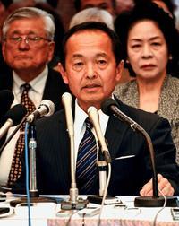 名護市長選:渡具知氏の陣営、座談会参加を断る 記者クラブ申し入れ