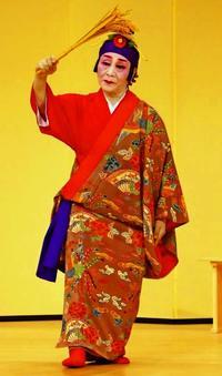 眞境名結子さん、47年ぶり「稲穂踊り」再演 芸歴60年、円熟の舞台