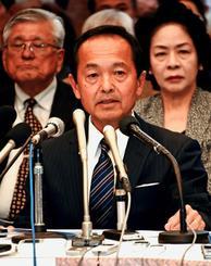 名護市長選に立候補を予定している渡具知武豊氏