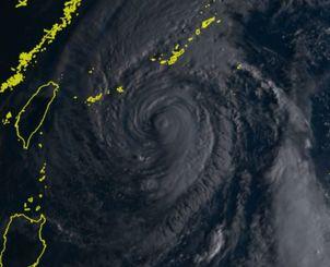 4日午前7時20分の台風25号(ひまわり8号リアルタイムwebから)