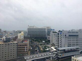 台風の影響で風の強い一日でした。明日18日はもっと荒れそうです