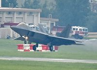 8機のF22が早朝飛行 米軍嘉手納基地 住民苦情を無視
