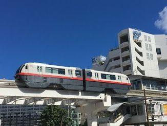 (資料写真)21日始発からの運休する沖縄都市モノレール。運行再開は台風の状況によって判断するという