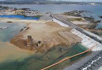 沖縄県、2度目の埋め立て承認撤回も 国の違法工事続けば