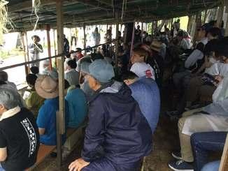新基地建設への抗議集会に参加する市民ら=20日、名護市辺野古