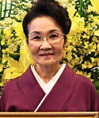 [ひと粋]/上間悦子さん(71)/県婦人連70周年で感謝状/地域と歩み功績残す