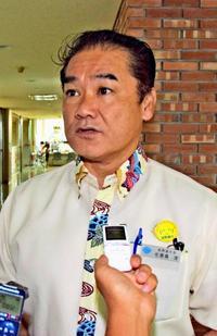 沖縄県知事選:あす佐喜真氏に決定 自民選考委が確認