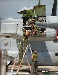 石垣空港オスプレイ 米軍が整備・点検作業始める