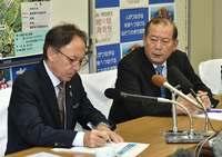「辺野古反対でも普天間の危険性除去を」 宜野湾市長、デニー知事と初面談で要望
