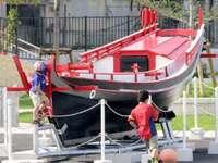 祖父・父への思い込め、私財500万円投じる 沖縄独自のマーラン船を公園に展示