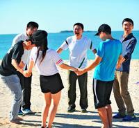 人材研修、ぜひ沖縄で ベンチャー企業「ノート」 サバニ、ビーチも体験