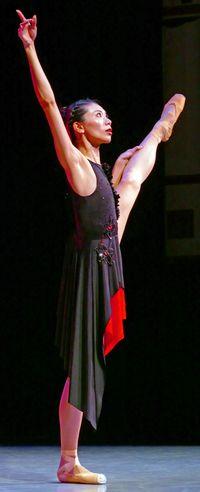 立体的な4手連弾、バレエに映える 渡久地円香ら、那覇で優雅に舞う