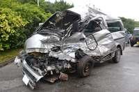 スクールバスと正面衝突 ワゴン車運転手1人死亡 うるま市