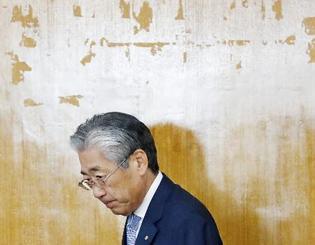 JOC理事会に臨む竹田恒和会長。6月の任期満了で退任すると表明した=19日午後、東京都渋谷区