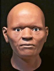頭部の形状を3次元のデジタルデータで捉え、粘土で肉付けしていく復元過程(戸坂明日香さん提供)