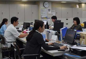 琉銀が取り入れたゆう活を利用して午前7時半から勤務する行員