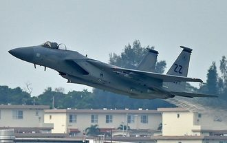 (資料写真)F15戦闘機
