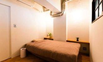 リノベーション施工後の寝室=東京都世田谷区のマンション(リノべる提供)