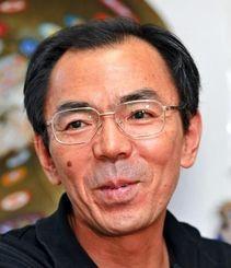 現代の名工に選ばれた琉球ガラス職人の池宮城善郎さん