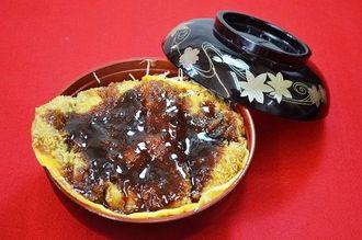 会津名物「柳津風ソースカツ丼」