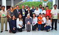 ボリビアで100歳迎え、元気な姿に拍手 佐渡山さんに県から表彰状