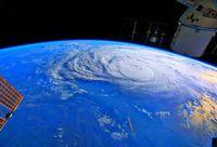 [きょうナニある?]/話題/地球温暖化で台風大型に/強風域拡大 「京」で予測