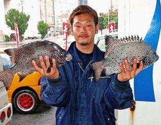 3日、那覇一文字にて42.5センチ、41.8センチのガラサーミーバイを釣った多和田哲也さん