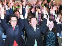 浦添市長に松本氏 8690票差で再選 知事の「オール沖縄」痛手