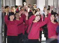 北朝鮮応援団長、関係改善に期待 「民族和解に足跡を」
