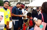 「沖縄からできること」 FC琉球の試合会場で熊本支援募る