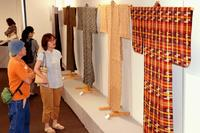 沖縄の逸品にうっとり 日本民藝協会「工芸展」 タイムスギャラリーできょうまで