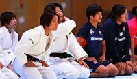 柔道女子代表、新たな試み/女子ラグビーと合同練習