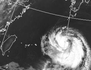 台風12号の衛星写真(気象庁HPから)
