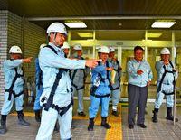労働災害防止へ 合同パトロール/名護労基署