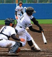 春季高校野球:執念の集中打 真和志、7点差から逆転勝ち