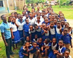 ガーナ共和国・ピュリティインターナショナルスクールの子どもたち(谷口智美さん提供)