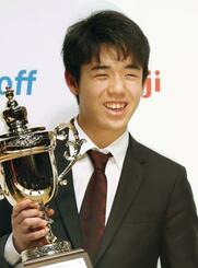 2月、朝日杯オープン戦本戦で優勝した藤井聡太六段=東京都内