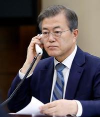 文氏、南北首脳会談で拉致言及へ 「平和の助けに」と安倍首相に